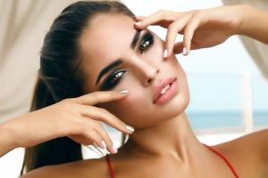 أخبار الصفوة : علامات الجمال عن المرأة